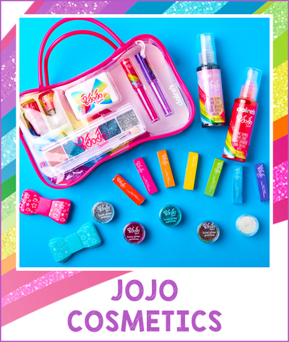 Want A Flawless Look Like Jojo Check Out Her Amazing Cosmetics Including Glam Nails Colorful Hair Chalk And Lots Of Glitter We Very Much